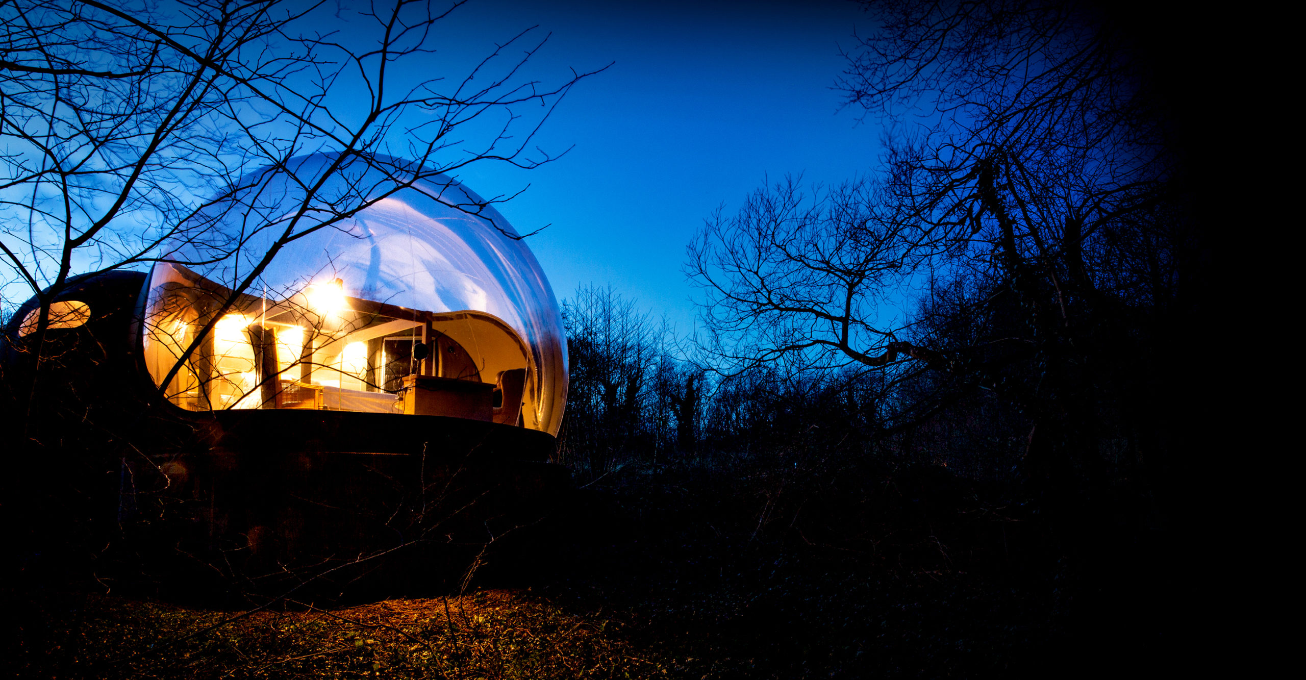Finn Lough bubble domes Fermanagh. Image by Sean Flynn, The Commercial Photographer Ireland
